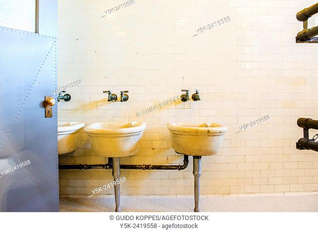 New York, USA. Washbasins in the rest- and bathrooms of the main building on Ellis Island
