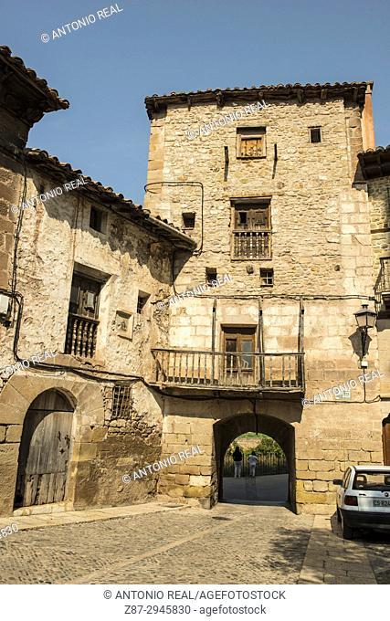Portal de Cabra and Plaza de las Monjas. Mora de Rubielos. Camino del Cid. Aragón. Spain