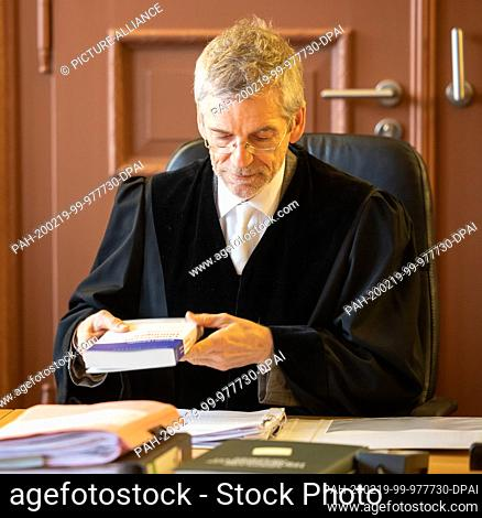 19 February 2020, Thuringia, Weimar: Stefan Kaufmann, President of the Thuringian Constitutional Court, is hearing the case of former non-attached member of the...