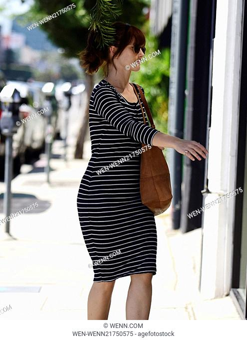 Minka Kelly goes shopping in Los Angeles Featuring: Minka Kelly Where: Los Angeles, California, United States When: 22 Sep 2014 Credit: WENN.com