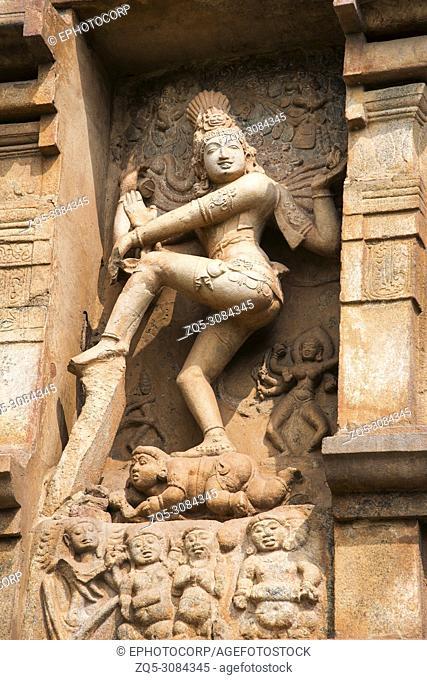Nataraja sculpture on the wall, Brihadeeswarar Temple, Gangaikonda Cholapuram Thanjavur, Tamil Nadu