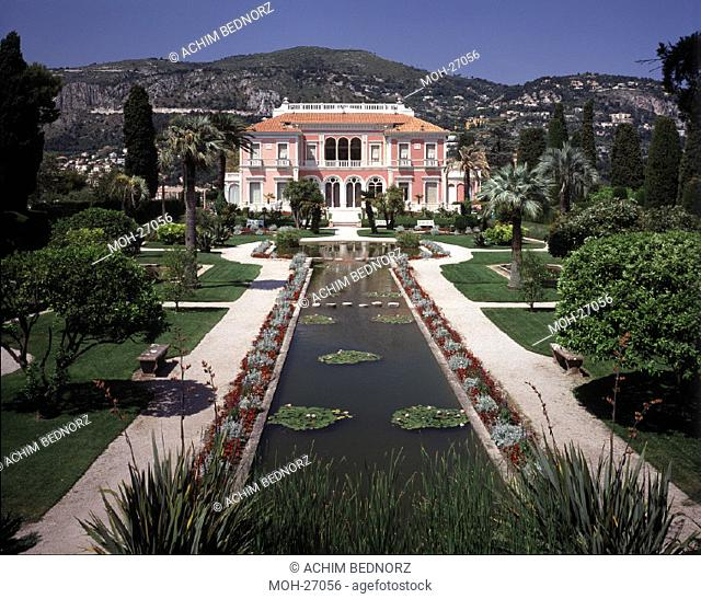 Cap Ferrat, Villa Ephrussi de Rothschild/ Gartenfassade der Villa, höherer Standpunkt