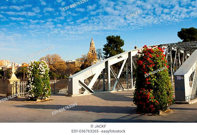Bridge over Segura river called Puente Nuevo. Murcia, Spain