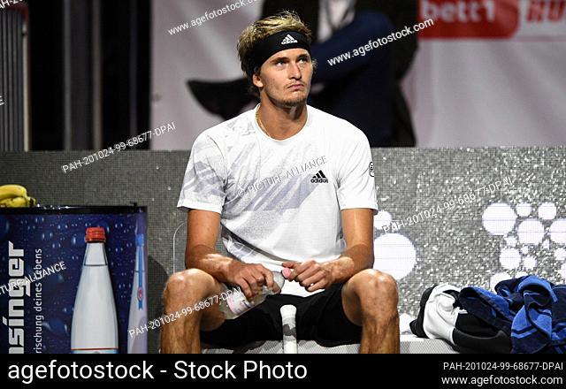 24 October 2020, North Rhine-Westphalia, Cologne: Tennis: ATP Tour - Cologne Championships (ATP), singles, men, semi-finals, Zverev (Germany) - J