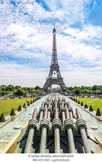 Eiffel Tower, Tour Eiffel, Trocadero, the Trocadero gardens, Paris, Ile-de-France, France