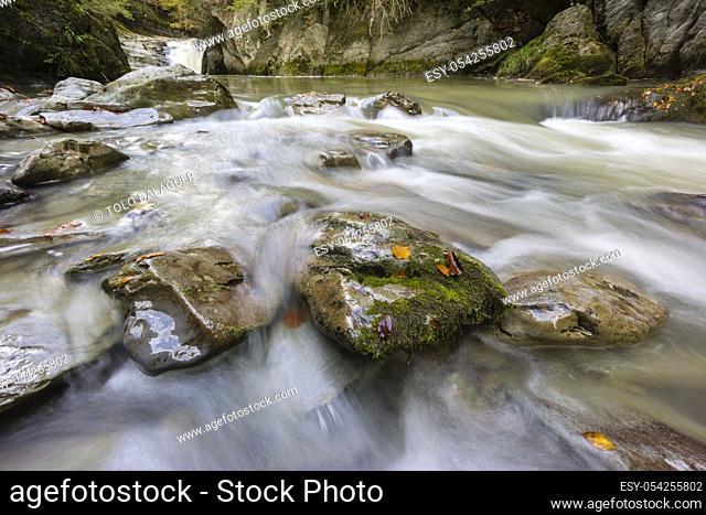 cascada de El Cubo, rio Urbeltza, selva de Irati, comunidad foral de Navarra, Spain