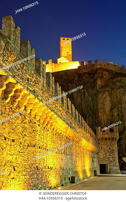Castello Grande, Bellinzona, at night, building, construction, Castle, canton, TI, Ticino, South Switzerland, night, dark, Switzerland, Europe, fort, walls