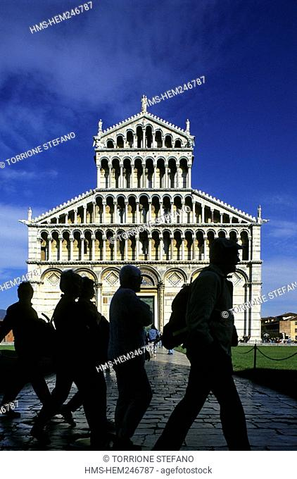 Italy, Tuscany, Pisa, Piazza del Duomo Cathedral Square, listed as World Heritage by UNESCO, the facade of the Duomo Santa Maria Assunta Saint Mary of the...