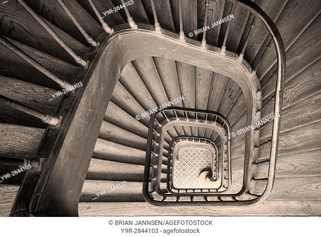 Ancient staircase in building near Rue de Faubourg Saint-Antoine, Paris France