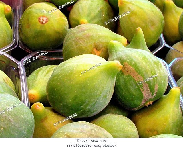 Llarge figs fruits