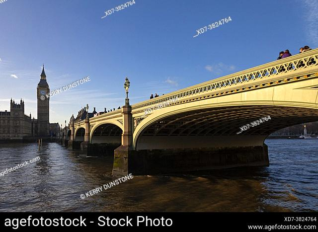 UK, England, London, Westminster Bridge and Houses of Parliament (Palace of Westminster)