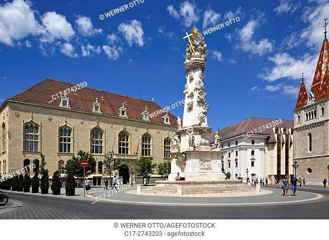 Hungary, Central Hungary, Budapest, Danube, Capital City, castle hill in Buda, Holy Trinity Square, Holy Trinity column, plague column, baroque