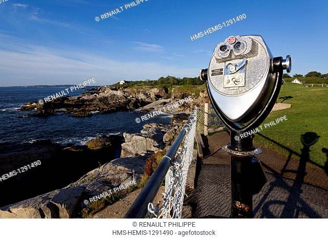 United States, Maine, Portland, Cape Elizabeth, Fort Williams Park, the coast near the Portland Head Light lighthouse, coin operated binoculars
