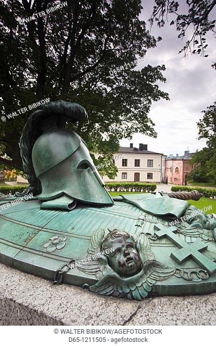 Finland, Helsinki, Suomenlinna-Sveaborg Fortress, Tomb of Augustin Ehrensvard, Swedish builder of the fortress