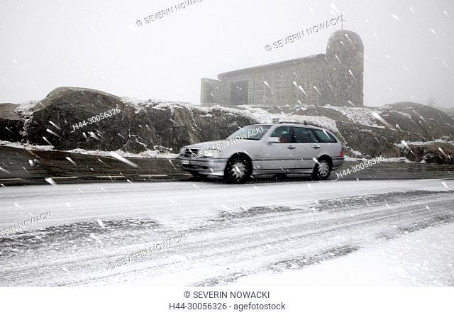Wintereinbruch auf dem Grimselpass