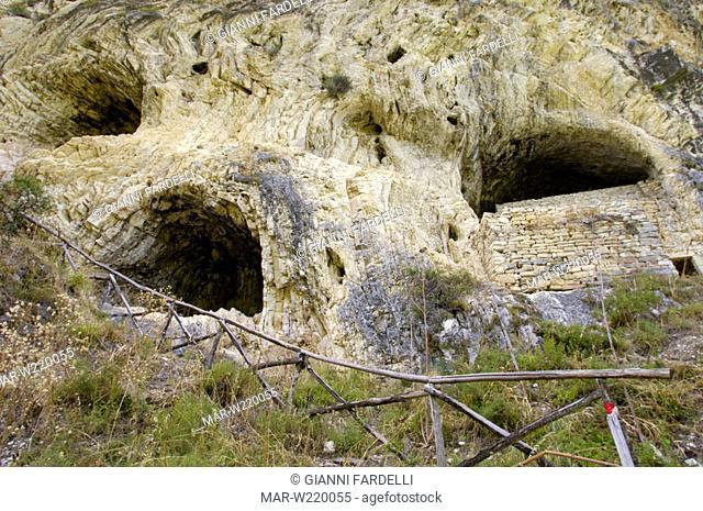italy, abruzzo, gole del salinello, gran sasso and monti della laga national park, grotta sant'angelo