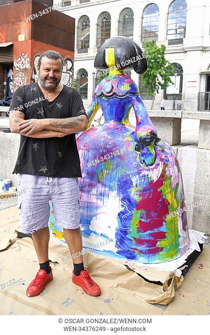Domingo Zapata restores his artwork, the 'La vida es sueno' in front of Queen Sofia Museum in Madrid, Spain Featuring: Domingo Zapata Where: Madrid