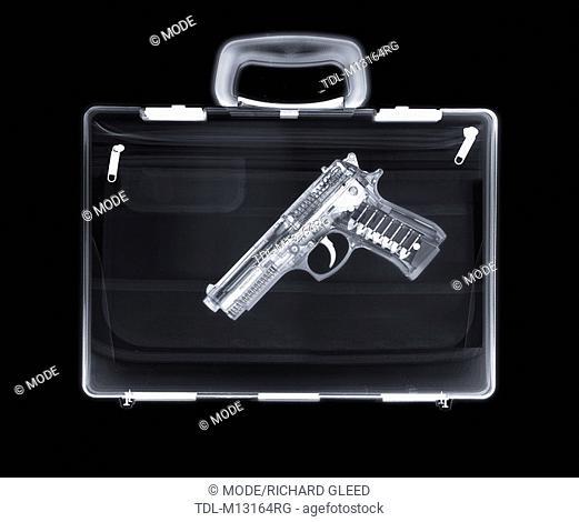 X-ray of a bag containing a gun