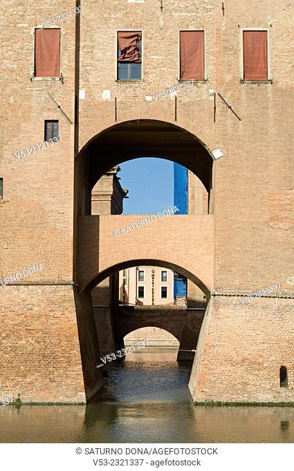 Moat bridge, Castle Estense (Castle of Saint Michele), Ferrara, UNESCO World Heritage Site, Emilia-Romagna, Italy