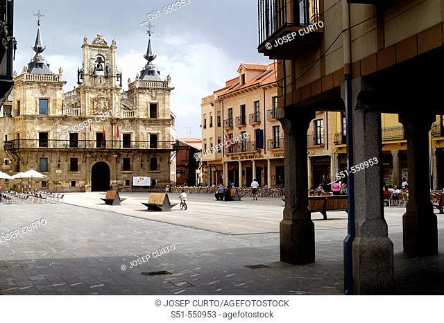 Main square and town hall. Astorga, León province. Castilla y León, Spain