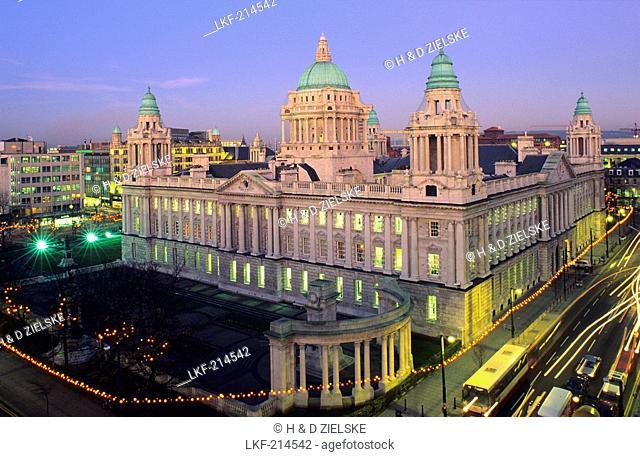 Belfast City Hall in the evening light, Belfast, County Antrim, Northern Ireland, United Kingdom, Europe