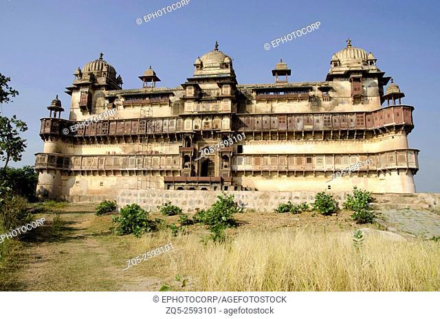 Exterior view of Jahangir Mahal (Palace). Orchha fort complex. Orchha. Madhya Pradesh. India