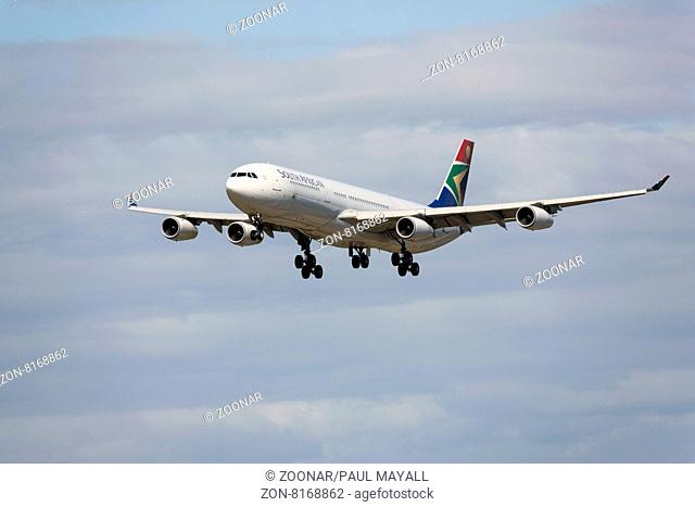 South African Airways Airbus A340-300 on final approach