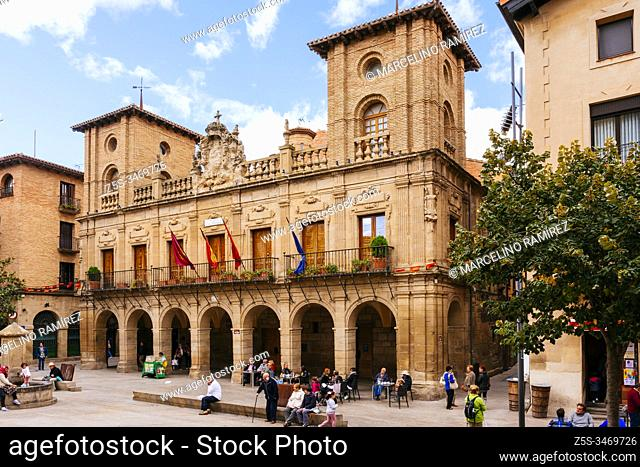 17th century baroque building, current town hall, with arcades, Tuscan pilasters and shield. Viana, Navarre, Spain, Europe