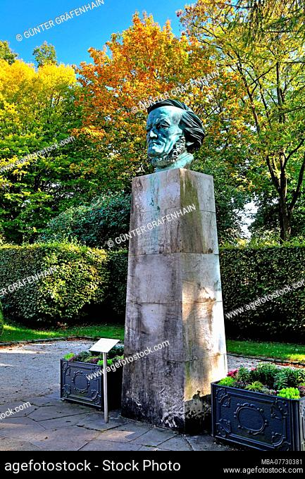 Wagner sculpture of Arno Breker in the park of the Richard Wagner-festival performance house on the green hill, Bayreuth, Upper Franconia, Franconia, Bavaria