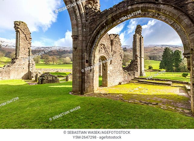 Ruined chapel of Llanthony Priory, Vale of Ewyas, Black Mountains, Brecon Beacons National Park, Monmouthshire, Wales, United Kingdom, Europe