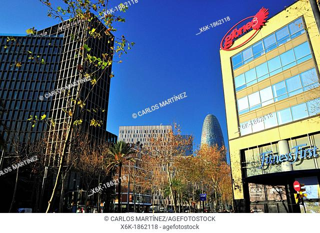 Mediapro Building Carlos Ferrater, Xavier Martí and Patrick Genard, television studios for producer Mediapro, Facade Mall and Agbar tower