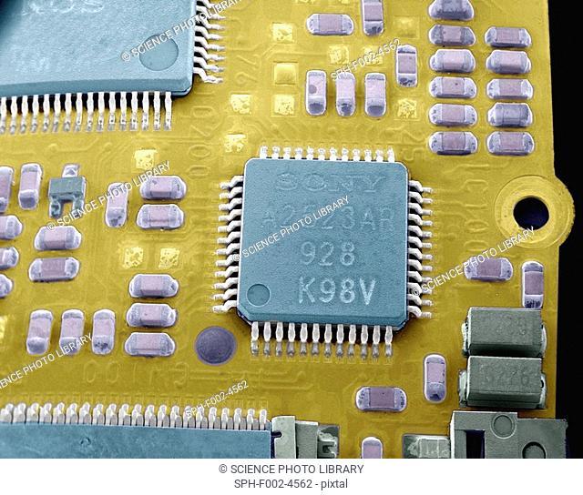 Circuit board microchip, SEM