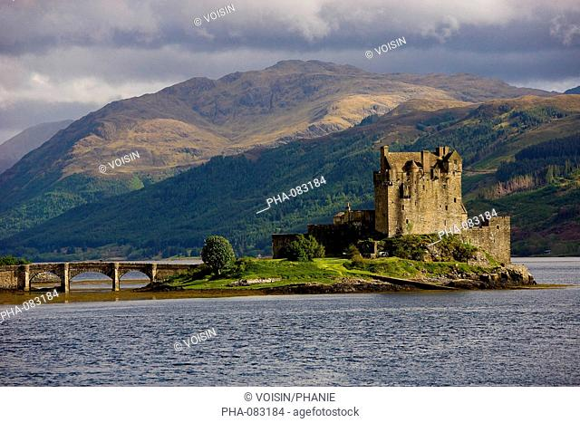 Eilean Donan castle, Loch Duich, Glen Shiel, Highlands, Scotland