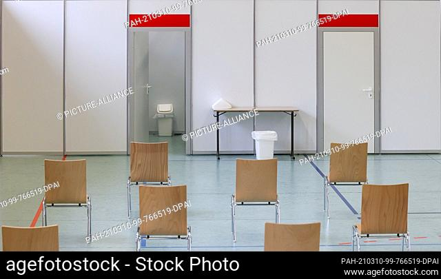 10 March 2021, Saxony, Plauen: Empty chairs stand in the second vaccination centre in Vogtland, which opened on the same day