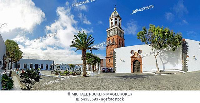 Plaza de la Constitucion and Iglesia de Nuestra Senora de Guadalupe church, Teguise, Lanzarote, Canary Island, Spain