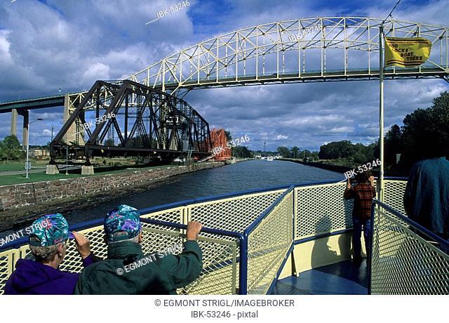 Ship in the the Soo locks at Sault Sainte Marie between Lake Superior and Lake Huron, Michigan, USA