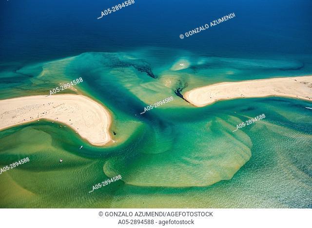 On the right Ilha da Fuzeta island. On the left Tavira island. Ria Formosa, natural park. Faro district. Algarve. Portugal