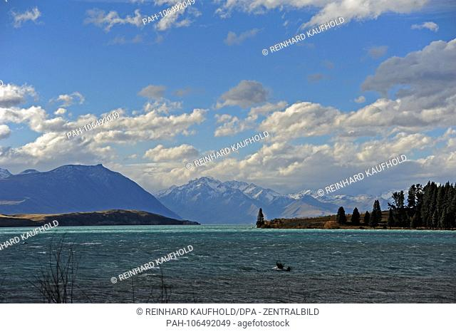 Lake Tekapo in the Mount Cook region on the southern peninsula of New Zealand, recorded in April 2018   usage worldwide. - /Neuseeland