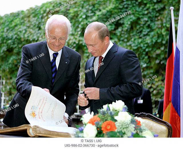 Bavarian Prime Minister Edmund Stoiber And Russian President Vladimir Putin In Munich