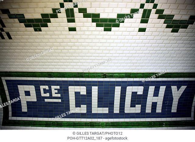 France, ile de france, paris, 18e arrondissement, metro, station place de clichy, Hector Guimard, Date : 2011-2012 Photo Gilles Targat