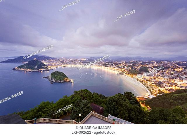 View from the Monte Igueldo onto the San Sebastian bay, La Concha, Donostia, San Sebastian, Basque Country, Spain