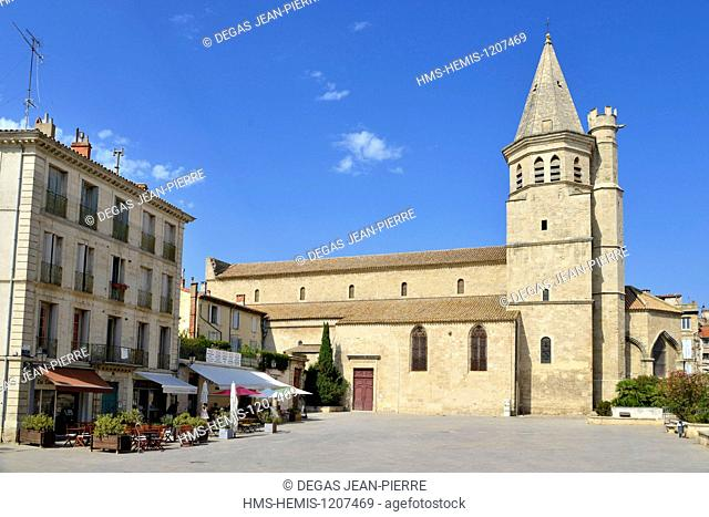 France, Herault, Beziers, square of the Madeleine, Church of the Madeleine of the 11th century