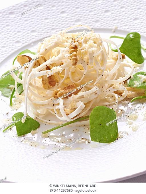Celery salad with walnuts