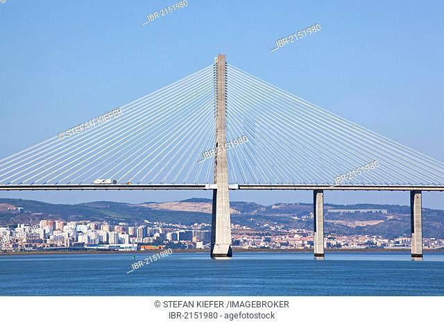 Ponte Vasco da Gama bridge crossing the Rio Tejo River, Lisbon, Portugal, Europe