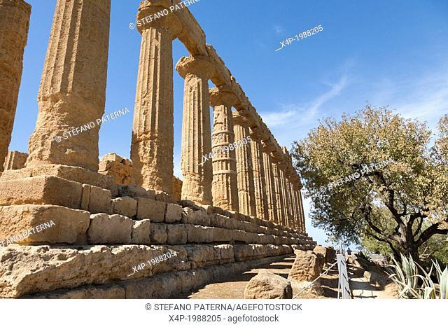Tempio di Giunone, Juno or Hera Temple, Valle dei Templi, Agrigento, Sicily, Italy