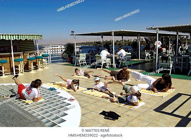Egypt, Nile Valley, Tarot cuise ship, gymn training
