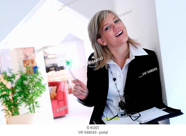 Businessfrau. - Niederoesterreich, Ísterreich, 10/09/2007