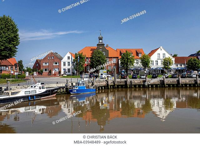 Old harbour with skipper's house of 1625, Tönning, North Frisia, Schleswig - Holstein, North Germany, Germany