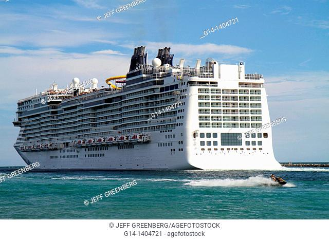 Florida, Miami Beach, South Pointe Park, Government Cut, Port of Miami, departing cruise ship, Norwegian Epic, NCL