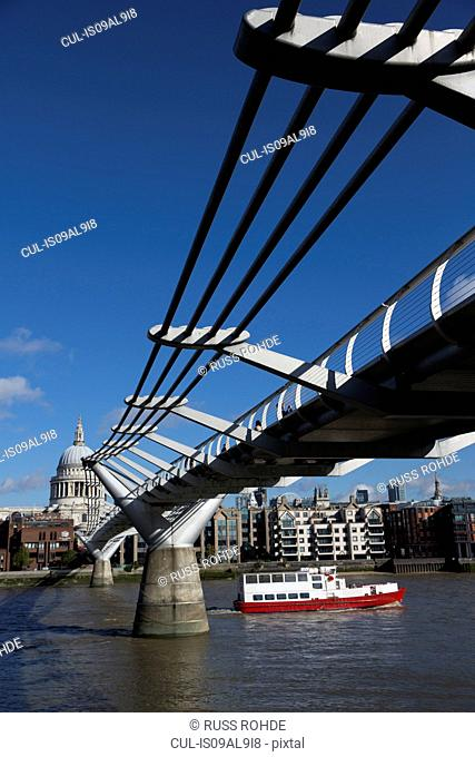Millennium Bridge, River Thames, St Paul's Cathedral, London, England